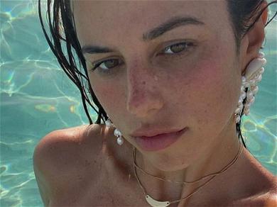 Victoria Villarroel Shows Off Cleavage In New Instagram Selfie