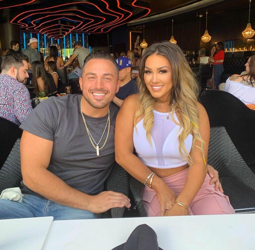 Jen Harley with boyfriend at dinner