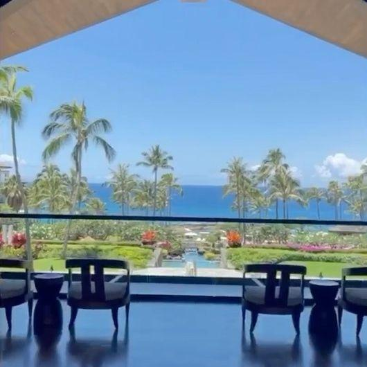 Britney Spears showing hotel room in Hawaii