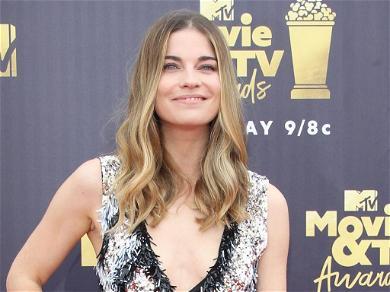 'Schitt's Creek' Star Annie Murphy Details Crippling Depression Battle