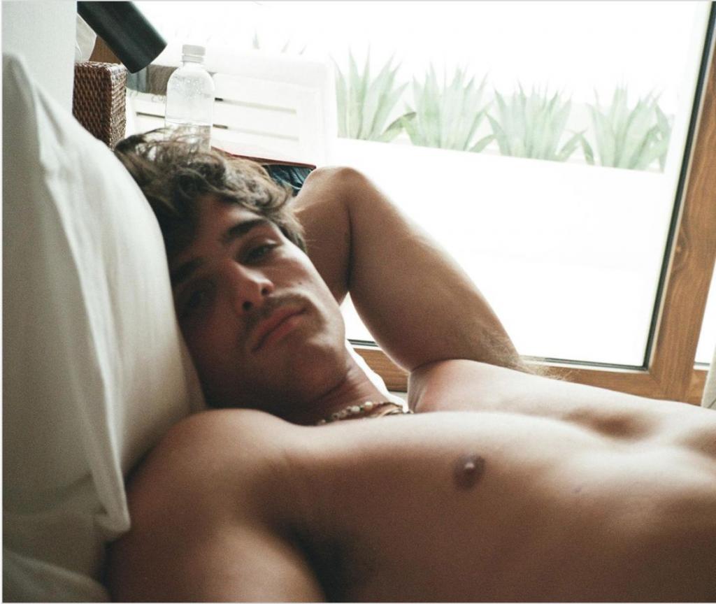 Shirtless Jacob Elordi