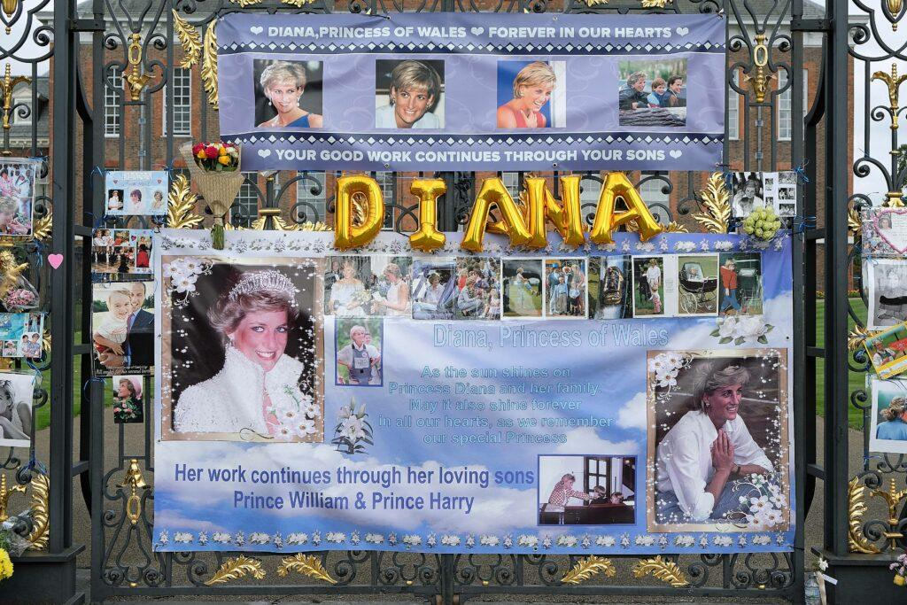 Fans gather at Kensington palace in Hyde Park in London to remember Princess Diana on the 22nd anniversary of her death in Paris France