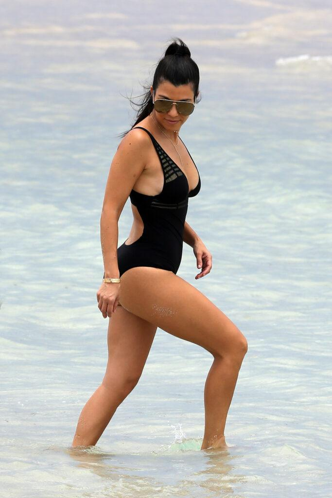 Kourtney Kardashian and Larsa Pippen show off her amazing curves on the beach in Miami