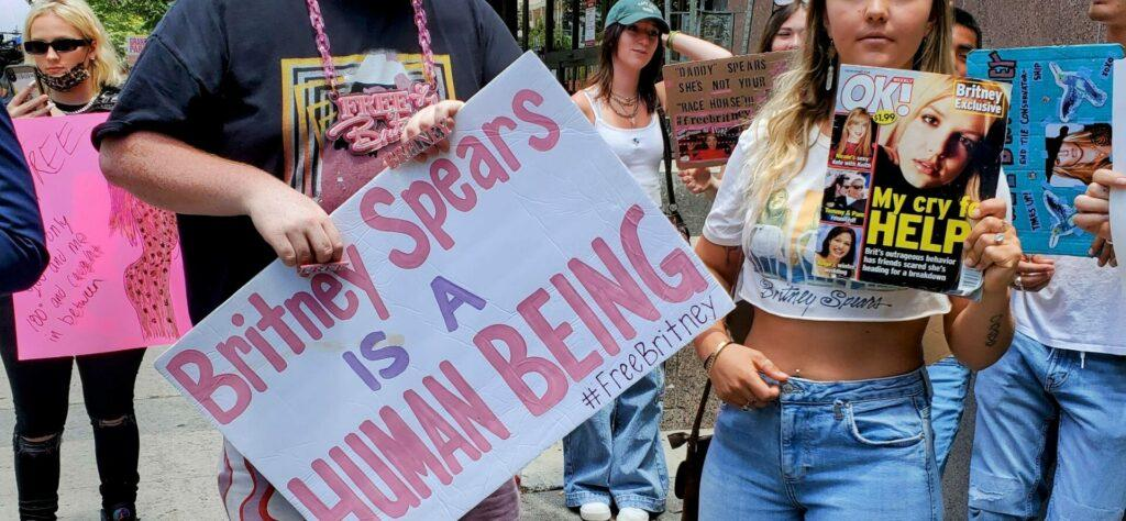 Fans and protesters rally to support the Britney Spears conservatorship trial