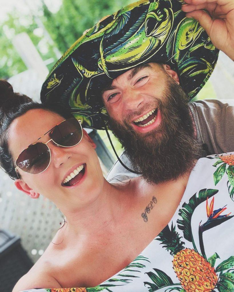 Jenelle Evans and David Eason laughing