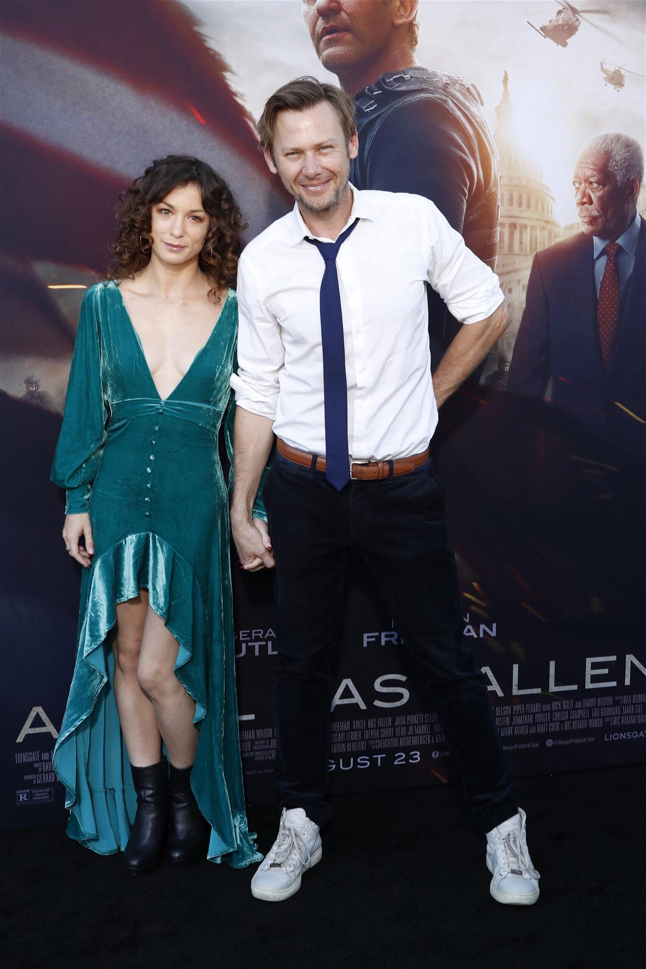 'Westworld' Star Jimmi Simpson Files For Divorce
