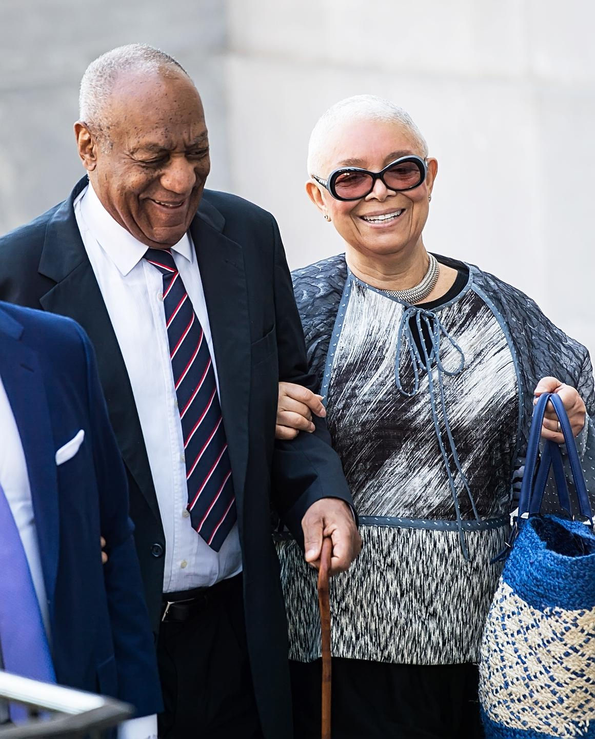 Bill Cosby's Wife Spotted With No Wedding Ring