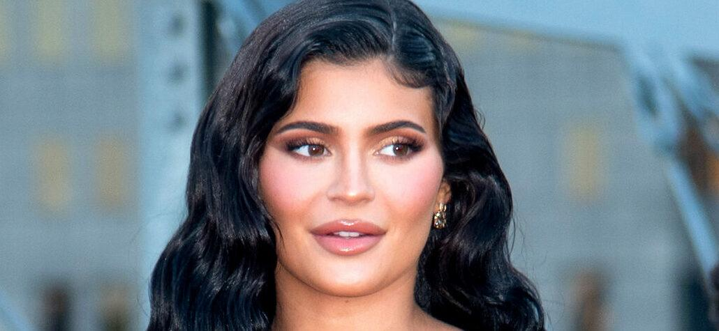 Kylie Jenner Calls Herself 'Hot AF' While Posing In Golden Good American Bikini