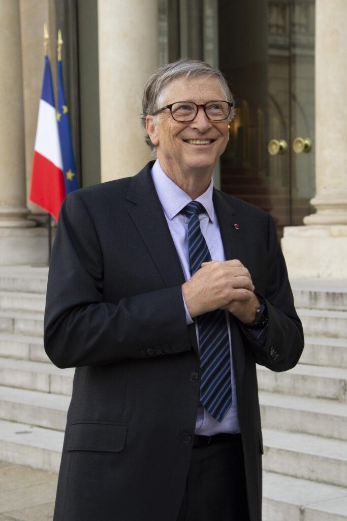Emmanuel Macron receives Bill Gates in Paris