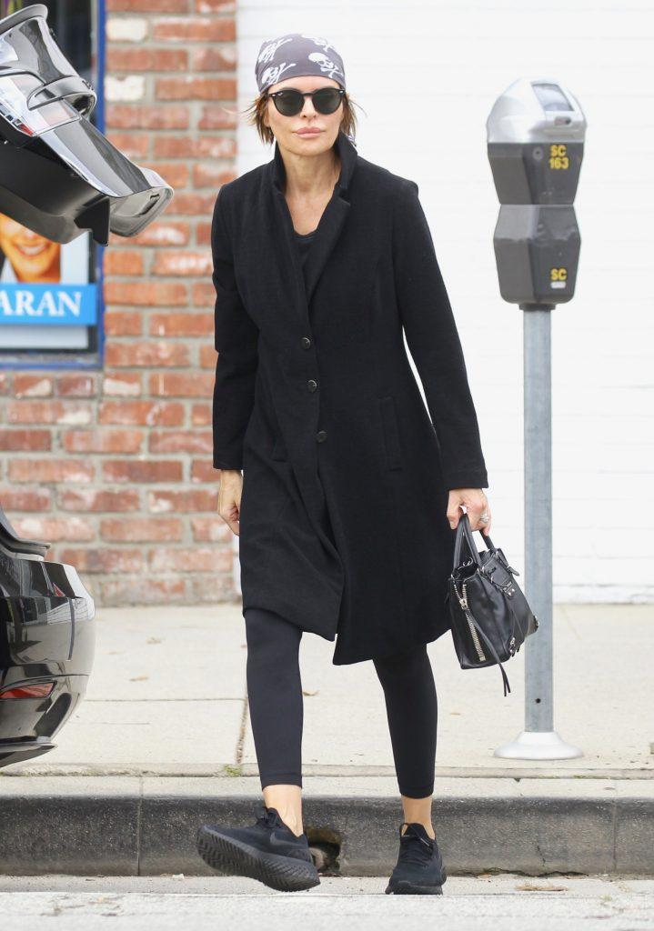 Beverly Hills Housewives star Lisa Rinna leaves her Yoga class