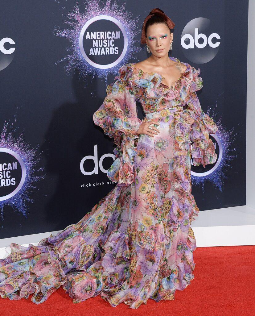 47th Annual American Music Awards - Arrivals