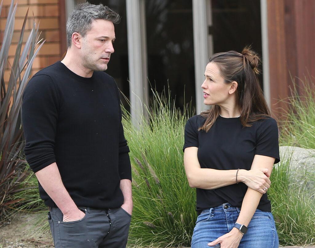 Ben Affleck Jennifer Garner and Samuel Affleck strolling around in Santa Monica