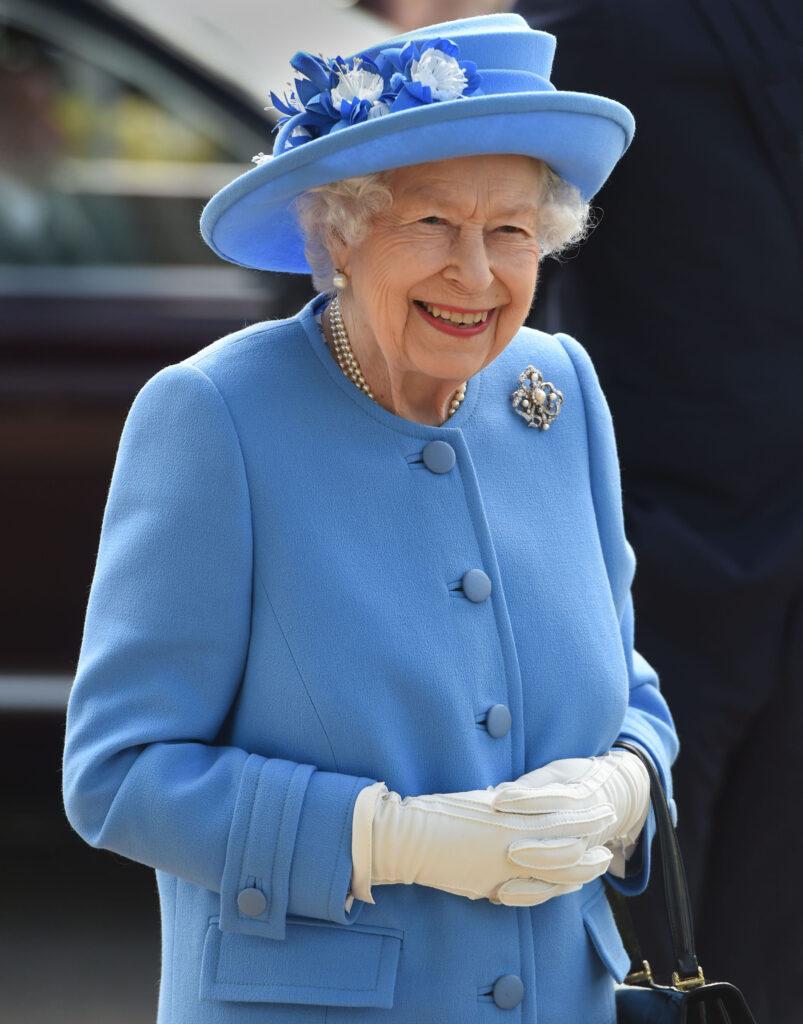 Queen Elizabeth and Prince William visit Irn-Bru factory near Glasgow