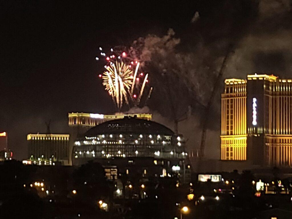 Largest 4th of July fireworks in Las Vegas history shown moments during Grand Finale