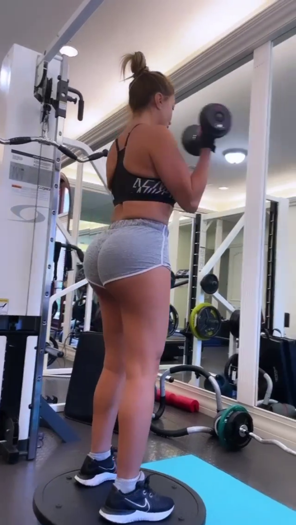 Larsa Pippen working out