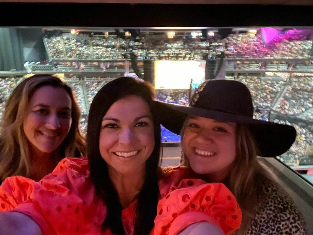 Kelly Clarkson and friends at concert