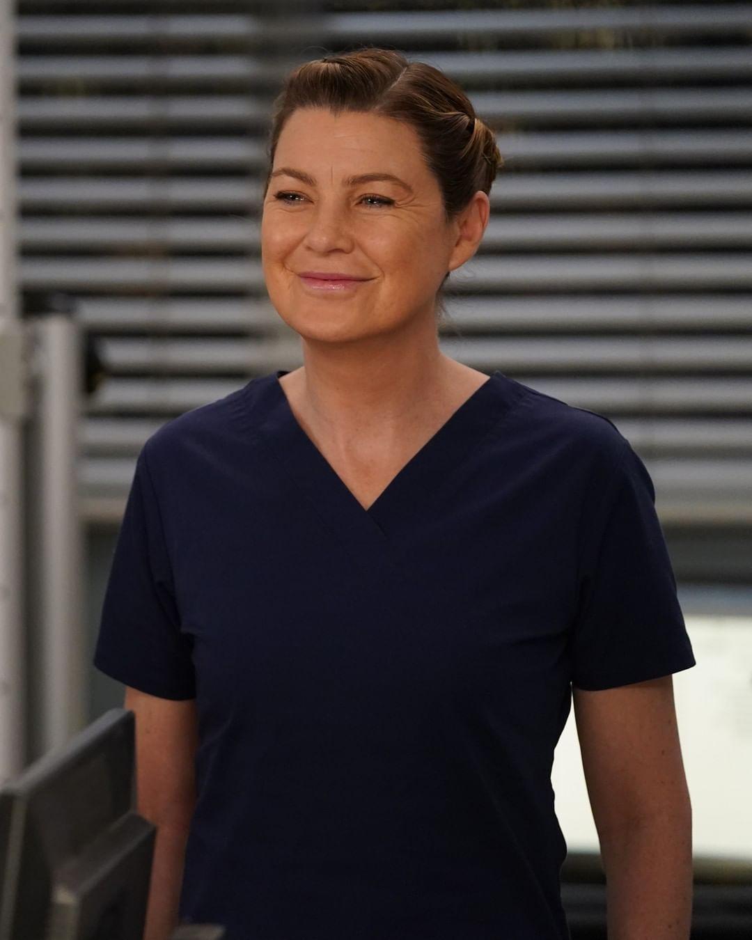 A photo of Ellen Pompeo in scrubs