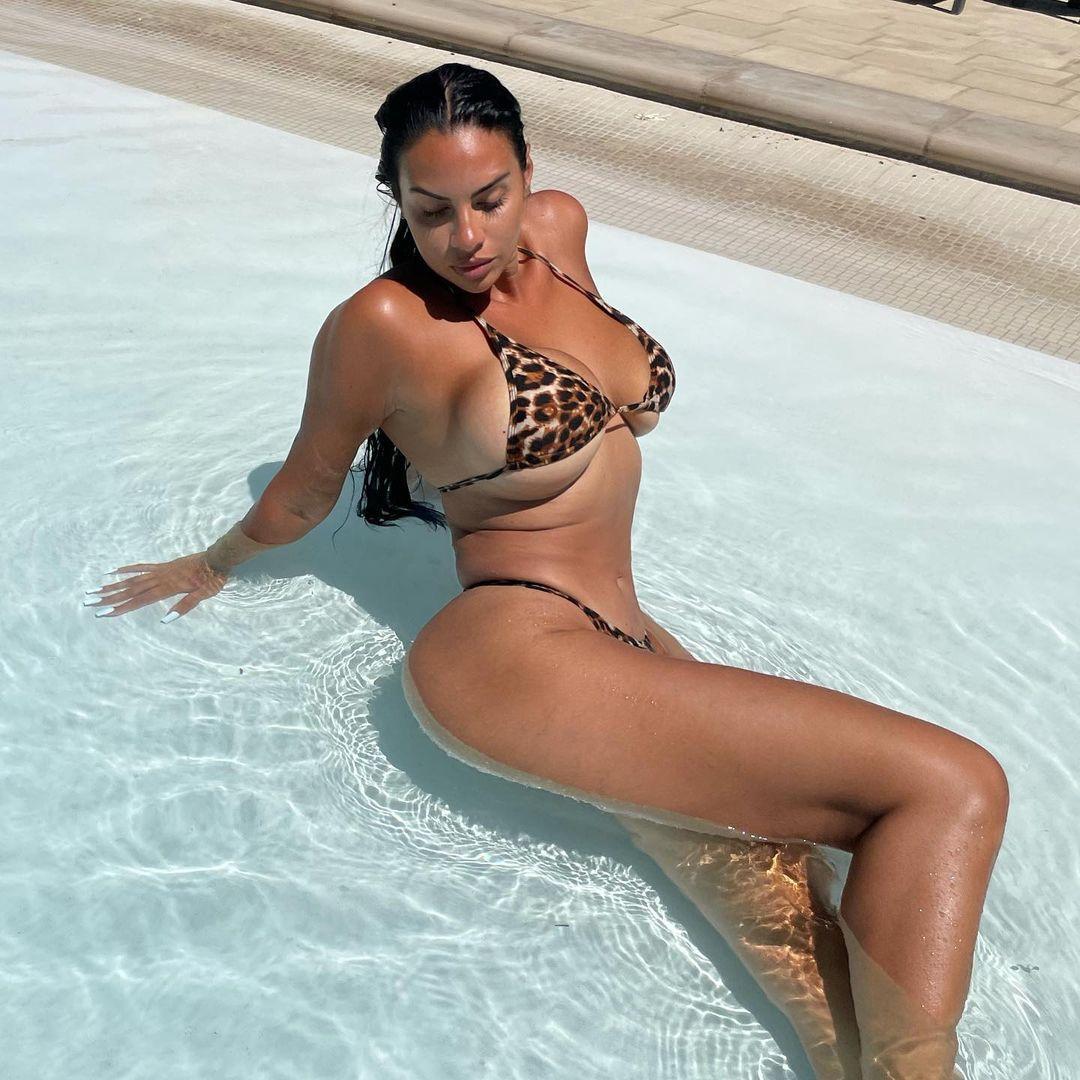 Drake's New Girlfriend, Johanna Leia, Explodes Out Of Animal Print Bikini