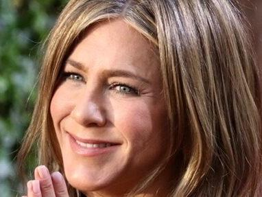 Jennifer Aniston Is Sticking By Her Decision To Cut Ties With Unvaccinated Friends