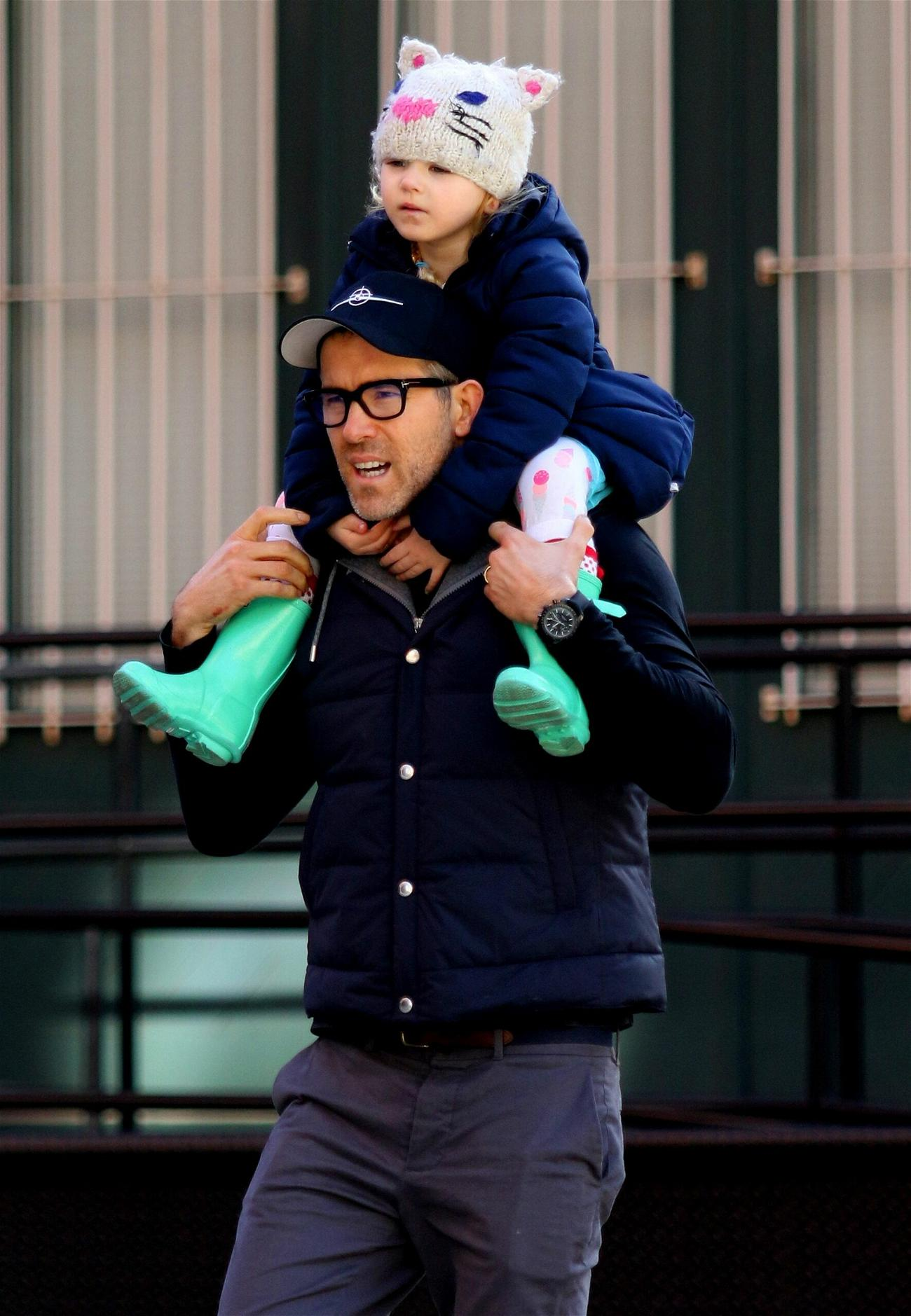 Ryan Reynolds gives daughter a ride atop his shoulders after having lunch in NYC