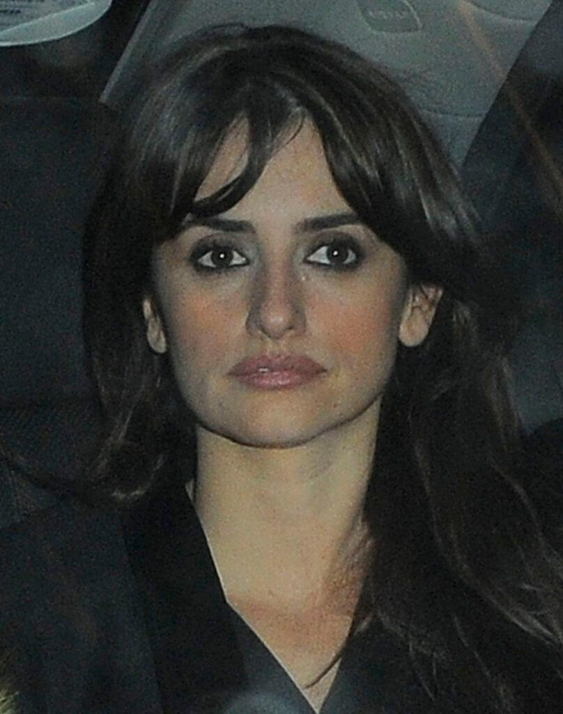 Penelope Cruz leaving The May Fair Hotel with Harvey Weinstein and heading to Cipriani restaurant