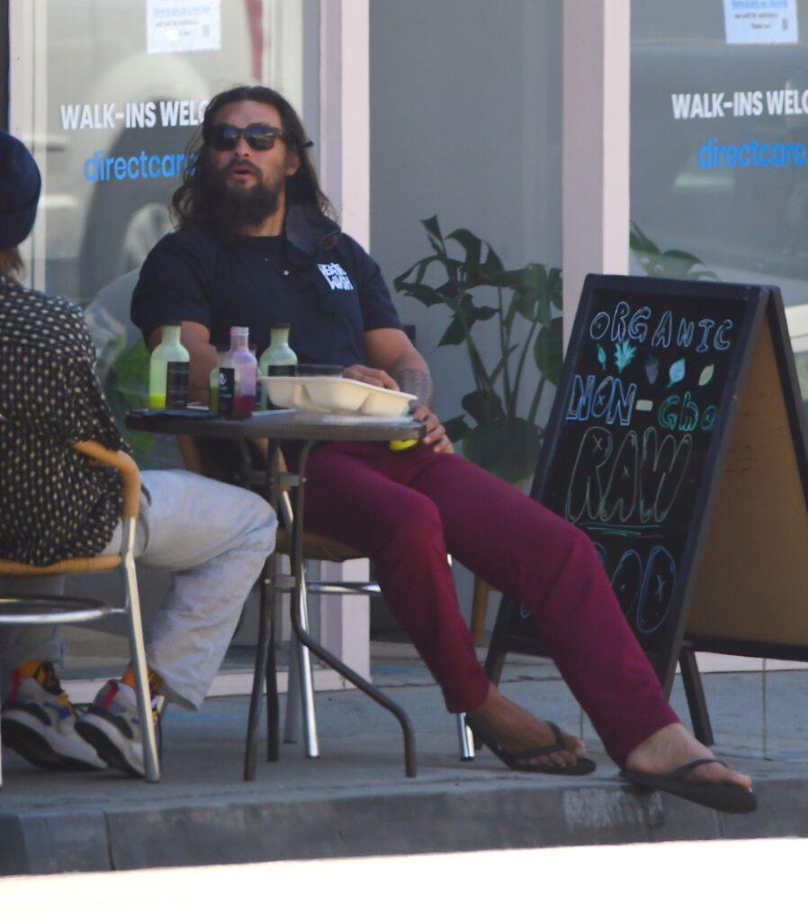 Jason Momoa grabs a healthy drink at an organic raw juice bar in LA