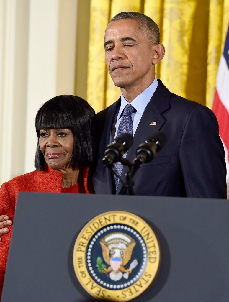 Obamas Attend Kennedy Center Honors