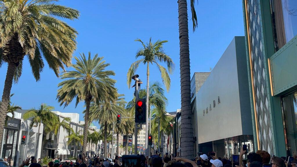 YouTube Star Austin McBroom causes chaos forcing Rodeo Drive to close down during a apos Meetup apos