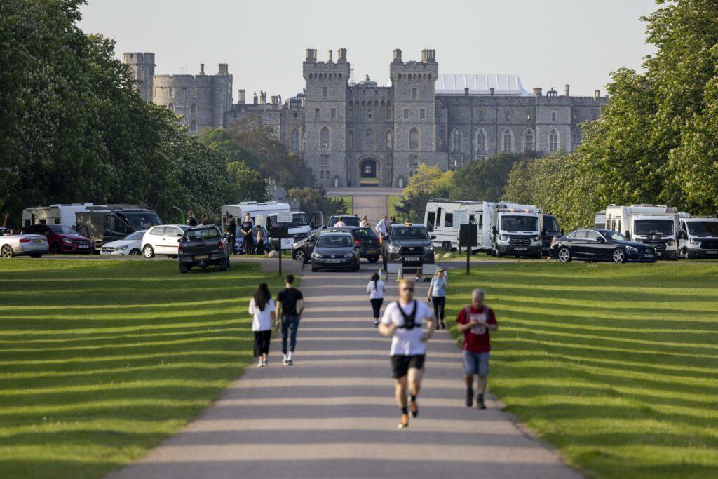 Travellers set up caravans at Windsor Castle