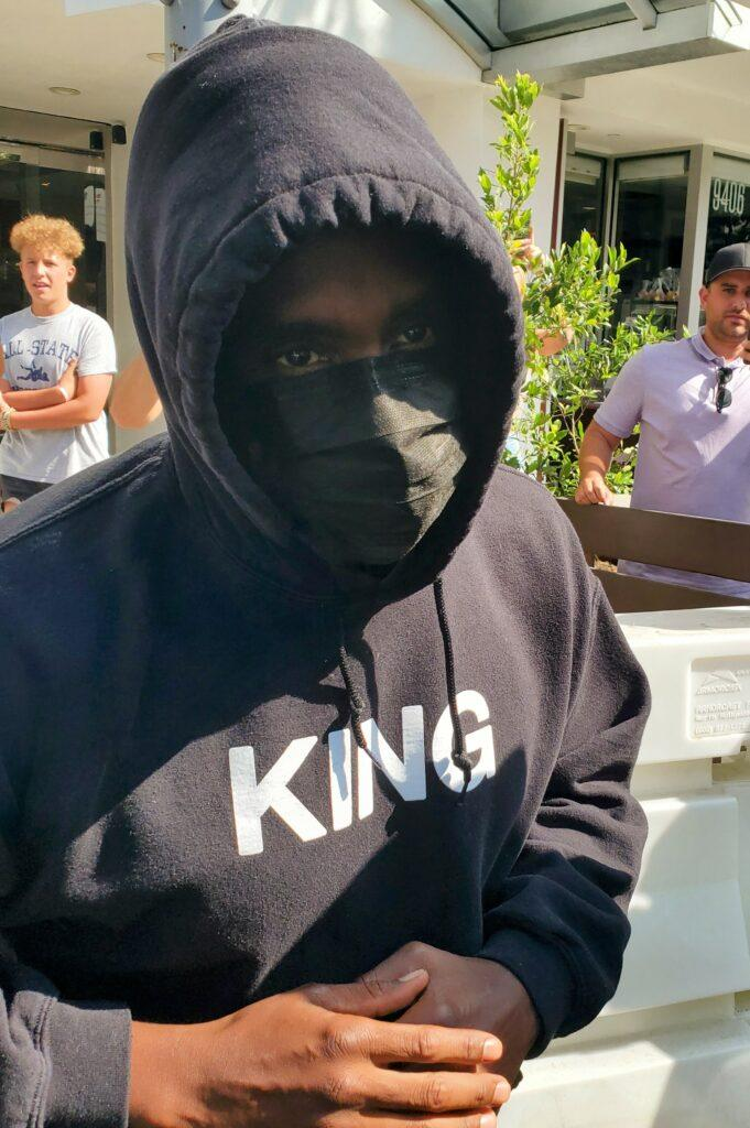 P Diddy locks up Beverly Hills traffic with his bodyguard entourage and police are called to clear out mob of fans and traffic