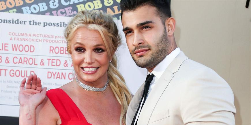 Britney Spears Is BACK On Instagram, Shares Pictures From Engagement Celebration!