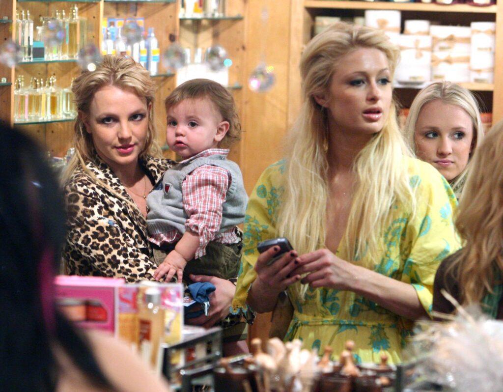 Britney Spears & Paris Hilton Shopping