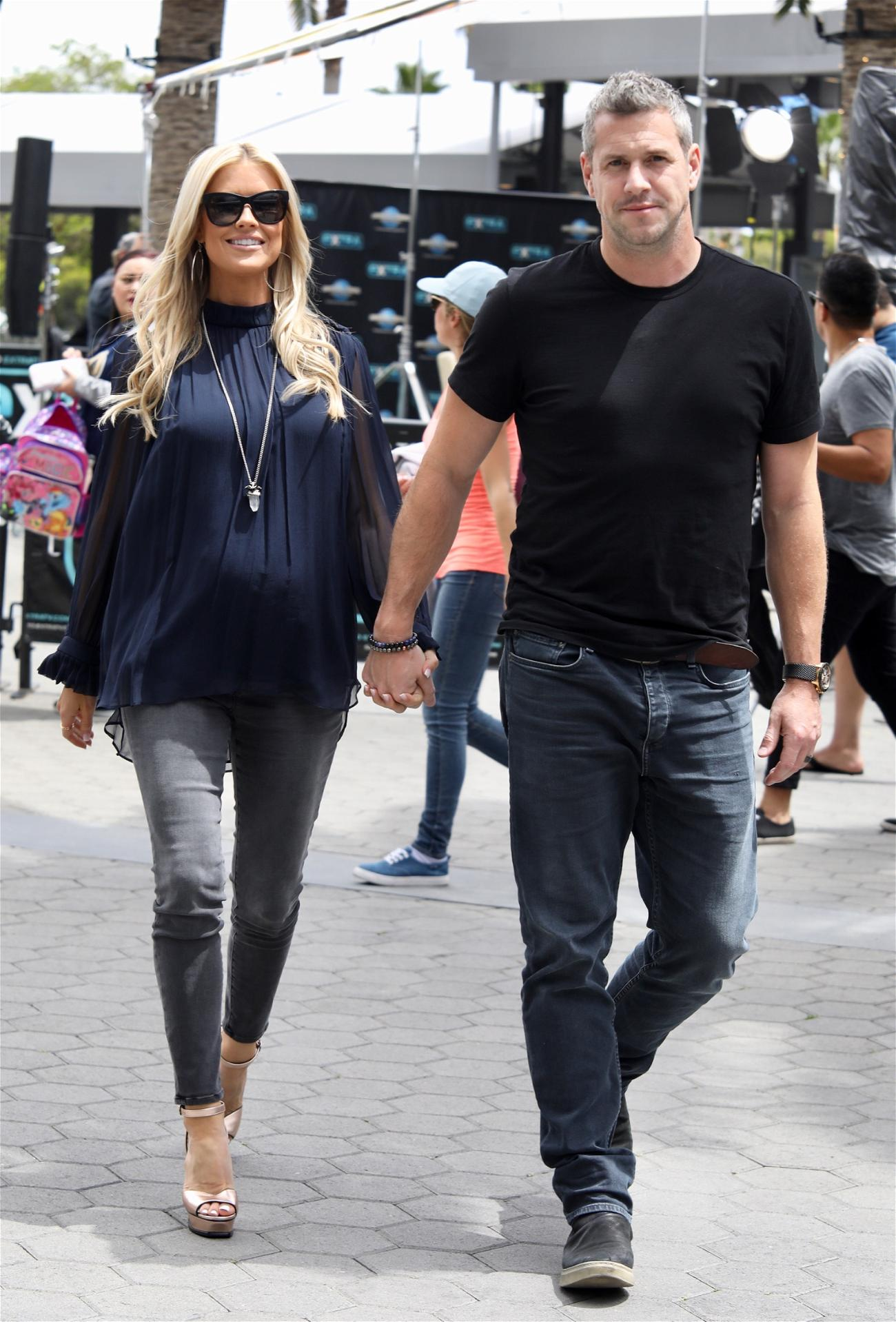 Renée Zellweger And Ant Anstead Go Instagram Official After 3 Months Of Dating!