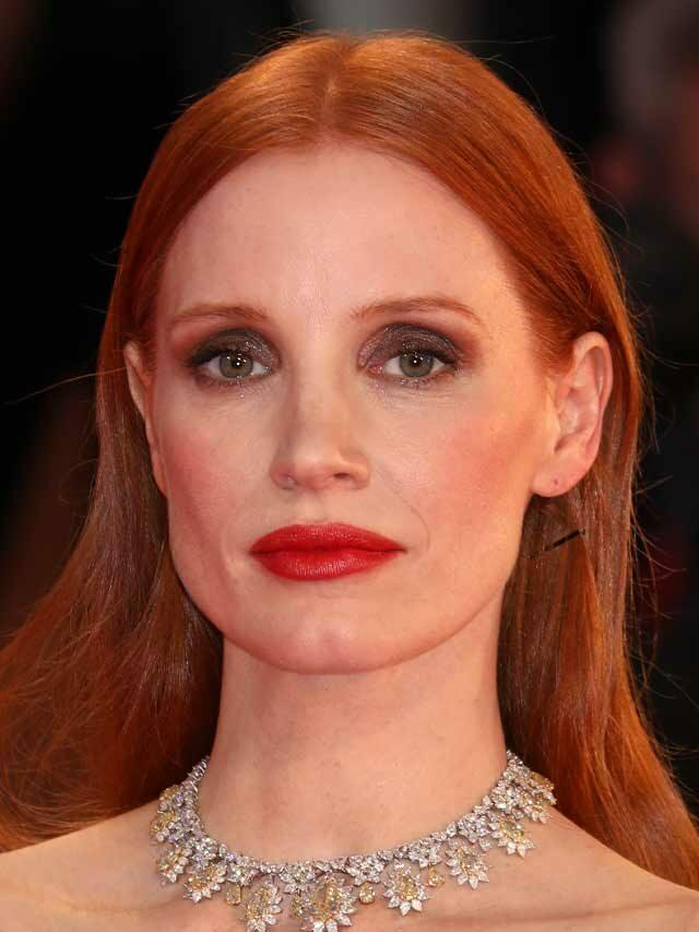Jessica Chastain Shows Off Drastically Different Look With '70s Curls