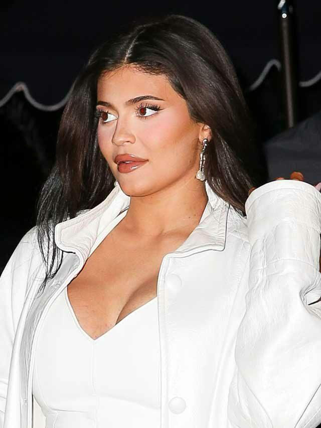 Kylie Jenner Gives Bumpdate, Reveals Her 'Belly's Getting BIG!'