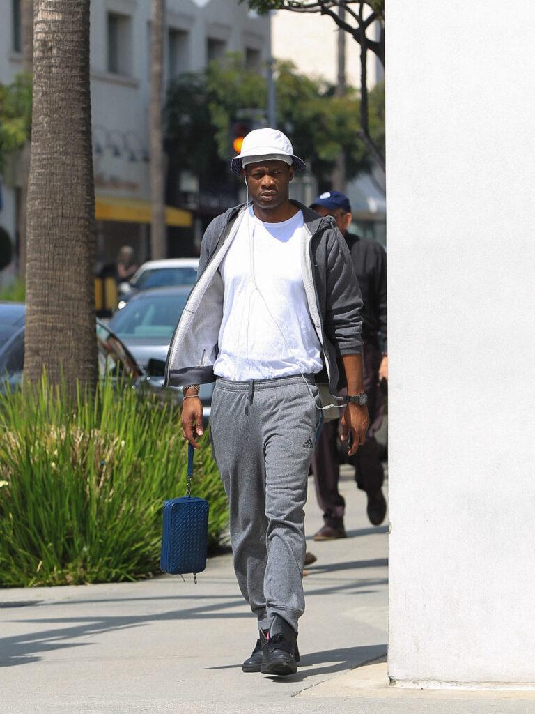 Pras runs errands in LA