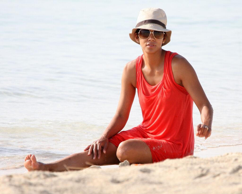 Halle Berry is spotted with her daughter on the beach in South Beach Miami on 07 08 2009