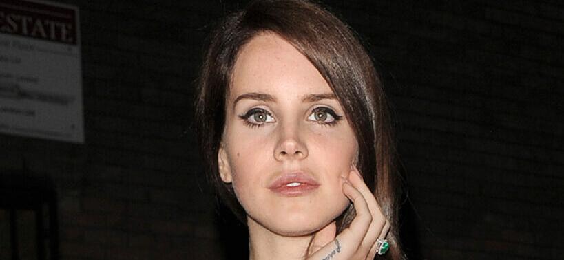 Lana Del Rey Deactivates All Social Media Accounts While Exploring 'Different Endeavors'