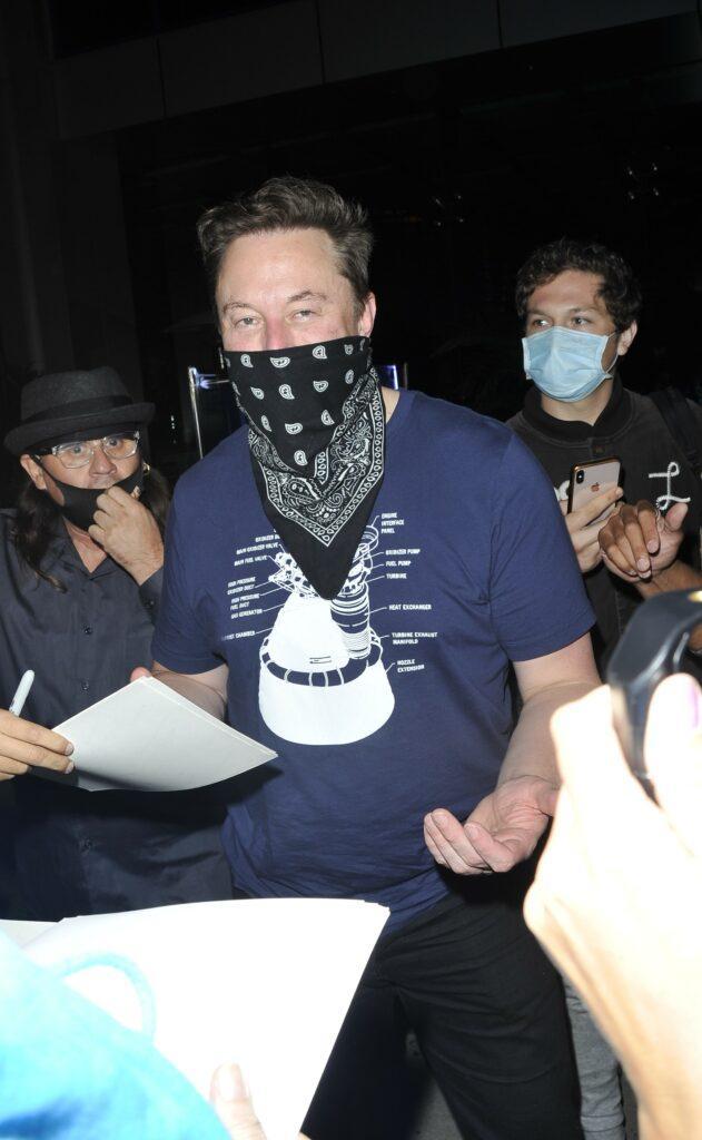 Elon Musk at BOA steakhouse for dinner