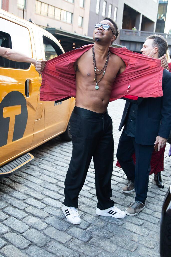 Cuba Gooding Jr Rips Open His Shirt Outside Alice amp Olivia Fashion Show