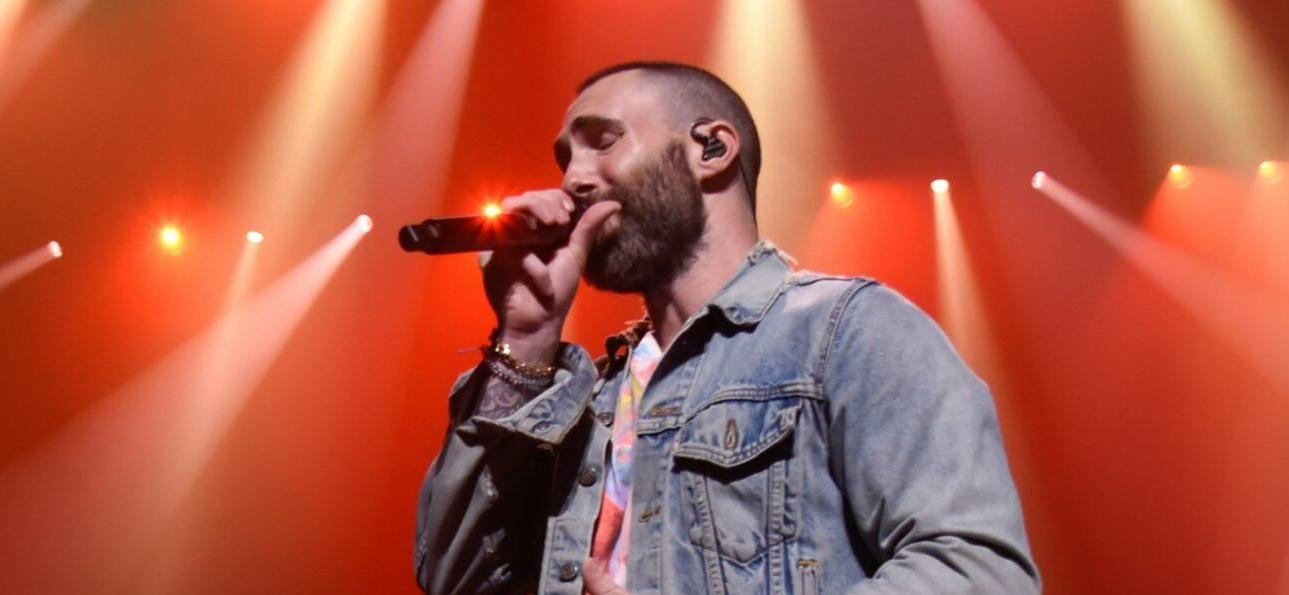 Adam Levine Forgets Lyrics To Maroon 5 Song, Stops Concert