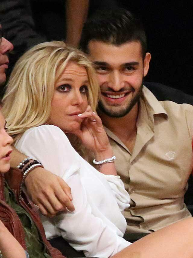 Britney's Boyfriend's Posts Pic Of Engagement Ring; Says He Was Hacked