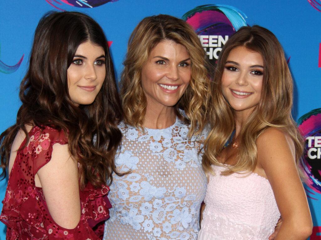 Lori Loughlin and daughters Teen Choice Awards 2017