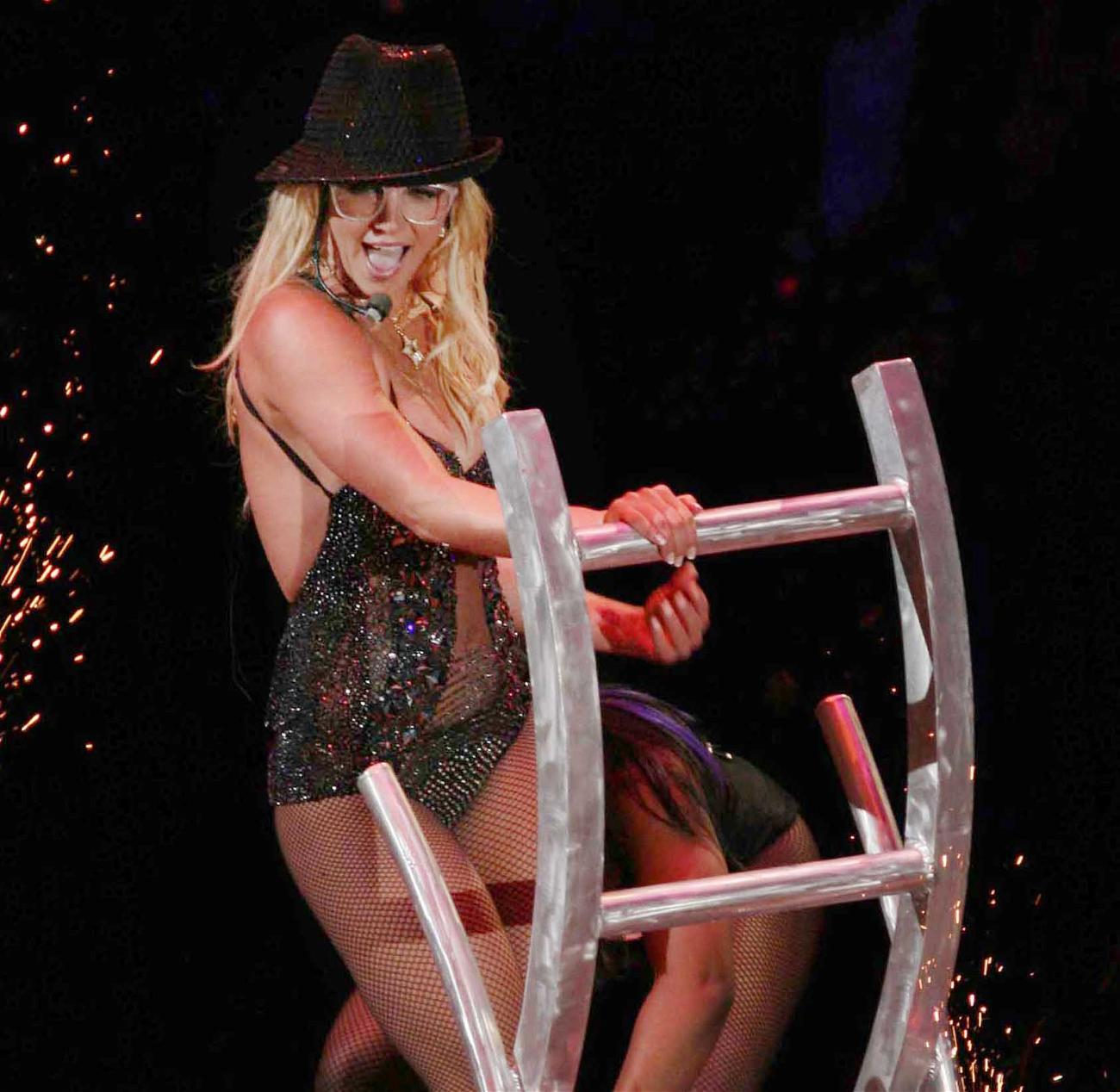 Britney Spears Is Never Performing On Stage Again?!