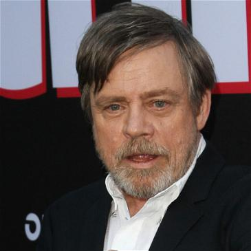 Mark Hamill Likes Scaring Halloween Trick-Or-Treaters As Much As The Rest Of Us