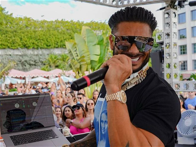 Pauly D Has Finally Found Love, Says It's 'GREAT' With GF Nikki Hall!