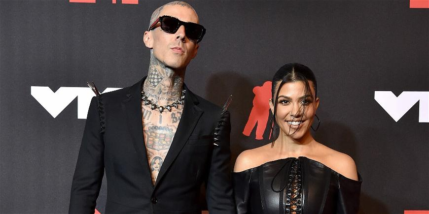 Travis Barker's Proposes To Kourtney Kardashian In The Most Romantic Place Ever!