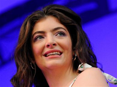 Lorde Returns With Expert Onion Rings Analysis, Hot Take On Snacks