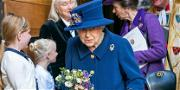Queen Elizabeth Seen Using A Cane, But She's Doing Just Fine